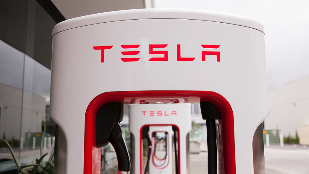 ev3   Electric Vehicles, as they're paving their way towards success are one of the trending topics across the globe. New innovations in the field are making the future of electric vehicles bright. Let's see what effect it'll have on us, how, and other things related to the topic.   electric cars, tesla